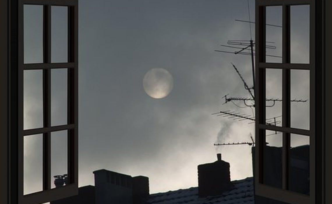 moon-3145776__340